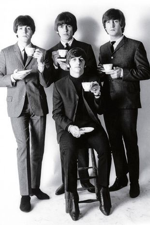 1_The-Beatles-in-a-formal-studio-setting (1)